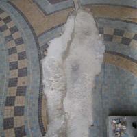 60 m² de grès cérame : une des parties à reconstituer